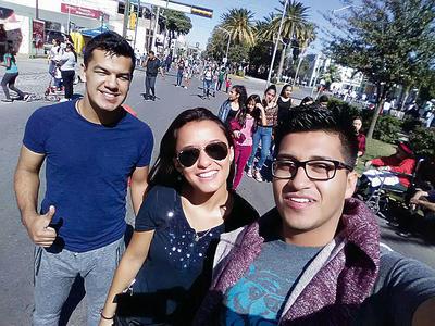 19012017 Carlos, Samily y Eduardo.
