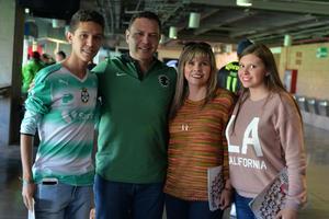 Luis Mario, Luis Mario, Marcela y Marianne
