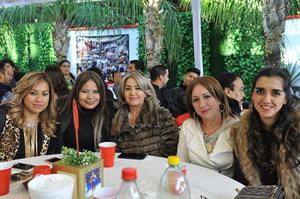 Carla, Angie, Hortencia, Edna y Daniela