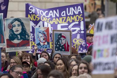 Mujeres de Barcelona también se sumaron al movimiento mundial.