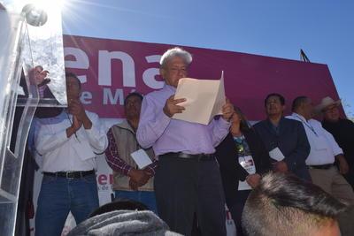 López Obrador visitó además la ciudad de San Pedro en su gira por el estado.
