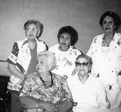 22012017 Olga, Elva (f), Martha y María Elena Martínez Torres con su tía, Ana María Velázquez Gómez (f).