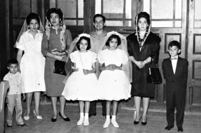 22012017 Romeo Ramírez, Sra. Aurora, EmaWong, Aurorita y demás compañía, en 1960.