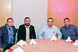 24012017 EN FESTEJO.  Gerardo, Israel, Javier y Carlos.