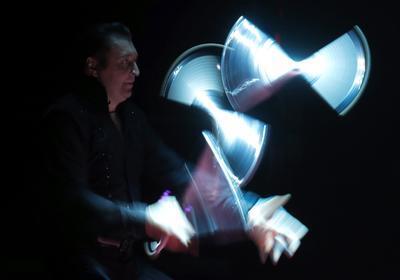 El artista Mario Berousek actúa durante la ceremonia de la edición 41 del Festival Internacional de Circo de Monte-Carlo