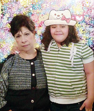 26012017 Caro de García Zugasti con su nieta, Allison.