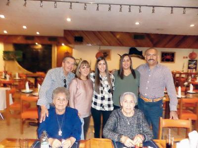26012017 Arturo, Paty, Zayra, Karina, David, Bertha y Conchita.