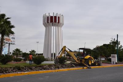 """Al terminar de desmantelar la Plaza Cívica del Torreón, se conservará el """"Torreón"""", uno de los símbolos de la ciudad."""