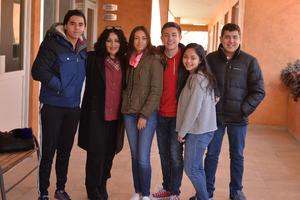 27012017 FELICES.  Juan Pablo, Alejandra, Fátima, Richie, Karol y Adrián.