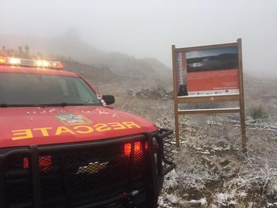A través de redes sociales, Protección Civil ha compartido fotos de la nevada.
