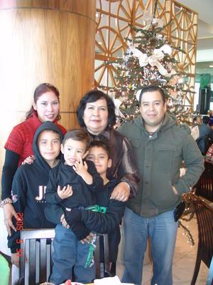 30012017 Gaby, Rosy, Gerardo, Ángel, Gerardito y Emiliano.