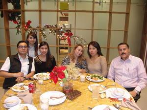 30012017 Miguel, Lizeth, Mónica, Claudia, Lucía y Eugenio.