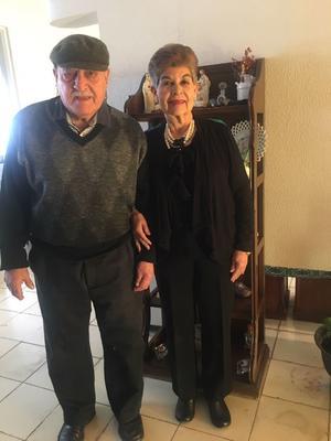 29012017 EN PASADO EVENTO SOCIAL.  Don Enrique y doña Alicia Yassin.