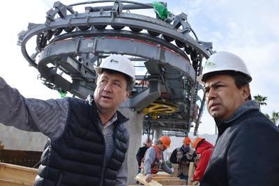 En recorrido realizado por el alcalde Jorge Luis Morán, acompañado por el director de Obras Públicas, Gerardo Berlanga Gotés, se informó que aparte de esa situación, la obra civil y lo relacionado con la construcción de las estaciones están en tiempo.