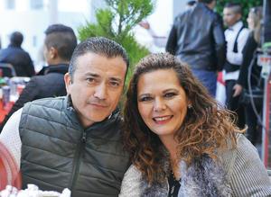 31012017 ACOMPAñAN A JUAN CARLOS.  Igor y Raquel.