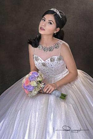 04062017 Carla Montserrat Solís Sotomayor celebró su XV aniversario de vida. - Laura Grageda Fotografía