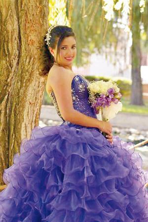 25062017 Fernanda Isabel Carrillo García festejo sus XV años en compañía de sus papás, Fernando Carrillo Gómez y Brenda García de Carrillo.