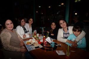 Sabina, Iliana, Damaris, Gabriela, Fernanda y Raquel.