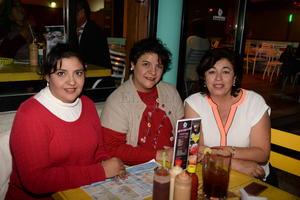 Adriana, Lulú Nájera y Maru Espinoza.
