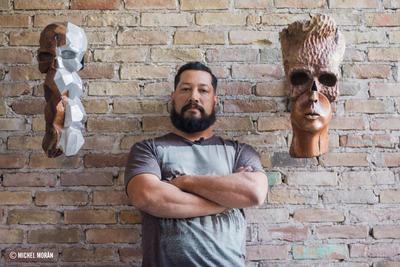 Guillermo no es como algunos artistas que reflejan su ego y vanidad en sus obras. Sabe del talento que posee pero es exigente en los detalles de sus piezas.