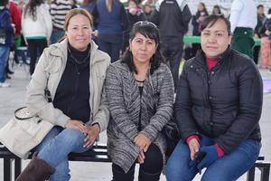 01022017 EN CEREMONIA.  Georgina, Janeth y Angélica.