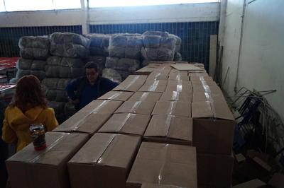 """""""Hay muchas cajas vacías, que no se ven maltratadas, y el producto no está, hay otras en perfecto estado, cerradas"""", dijo Casale."""