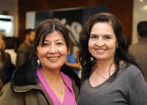 02022017 MUY CONTENTAS.  Miriam y María Luisa.