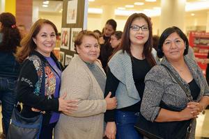02022017 EN EL MALL.  Margarita, Elida, Elizabeth y Gina.