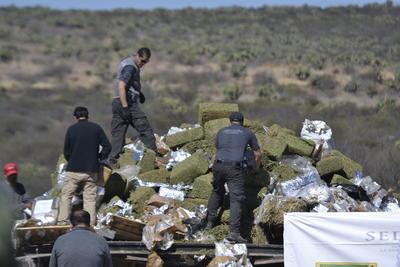 Homero Mendoza declaró que la mayoría de los aseguramientos que han realizado, específicamente en la supercarretera, es de droga sintética, y por lo general proviene del puerto de Mazatlán y tiene como destino la ciudad de Durango.