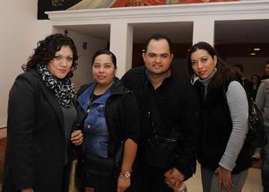 Jake, Laura, Ricardo y Alina