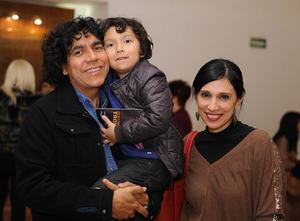 Raul Jáquez, Silvestre y Adriana Vargas