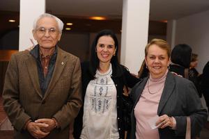 Roberto Soto, Adelina Soto y Christa Luethje