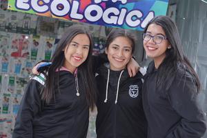 04022017 CONTENTAS.  Mariana, Paola y Alex.