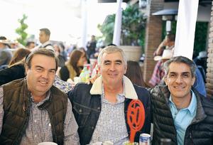 04022017 AMIGOS.  Eduardo, Eduardo y Antonio.
