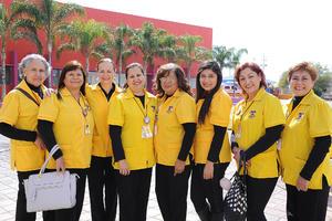 04022017 LA FOTO DEL RECUERDO.  Hortencia, Guille, Mayela, Olga, Rocío, Mely, Rocío y Chiquis.