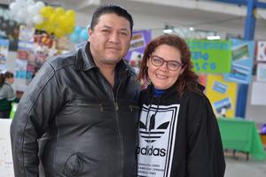 04022017 EN PAREJA.  Roberto y Liliana.