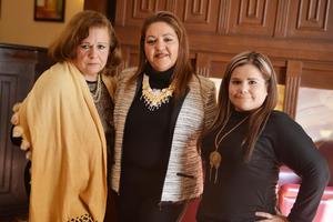 07022017 DESAYUNO DE CUMPLEAñOS.  Norma Amparo Hinojosa de Morán con Cony y Jenny.