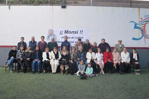 07022017 41 AñOS DE LEALTAD.  Jesús Monsivais concluyó su vida laboral en Peñoles, por lo que le fue organizada una amena recepción.