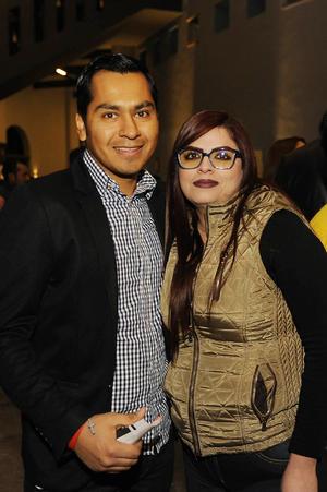 05022017 EN PAREJA.  Edgar y Sandra.