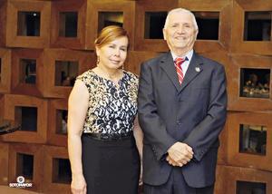05022017 Presidenta saliente, Dra. Rosa María Portillo Morales, y Presidente entrante, Dr. José Guillermo Milán Montenegro