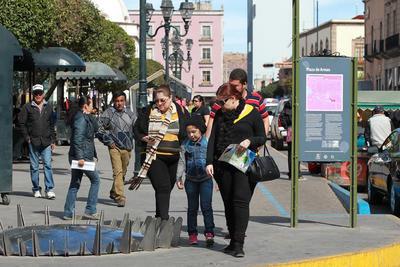 La mayoría son personas provenientes de estados como Sinaloa y Zacatecas, que además de encontrar en Durango riqueza colonial, se ven atraídos el clima de montaña.