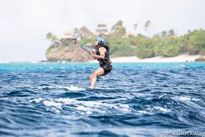 """Cuando regresó de esa aventura, el jefe de su equipo de protección le dijo: """"Esta será la última vez que hagas surf en ocho años""""."""