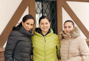 08022017 EN EVENTO ESCOLAR.  Estela, Isabel y Mariel.