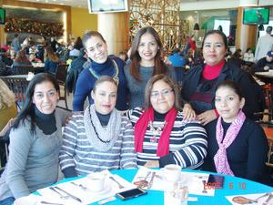 08022017 Marcela, Adry, Lupita, Adriana, Gaby, Alejandra y Moni.