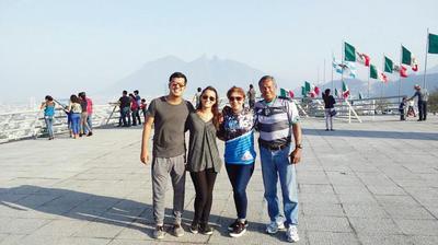 09022017 Carlos Francisco, Samily, Yolanda y Carlos Bernardo.