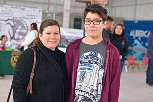 09022017 EN EVENTO ESCOLAR.  Susana y Salvador.