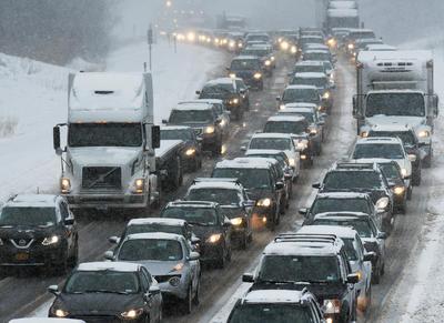 No obstante, el tránsito vehicular se ha visto afectado.