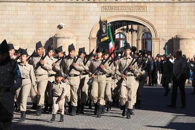 Fue el 9 de febrero de 1913, cuando cadetes del Colegio Militar acompañaron al presidente Francisco I. Madero en Columna de Honor, durante su trayecto a Palacio Nacional, el cual había sido tomado en medio de un cuartelazo iniciado en la madrugada del mismo día y que fue frustrado horas después.