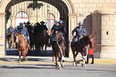 Salieron desde el Centro de Convenciones Bicentenario con rumbo a las instalaciones de dicha zona militar.