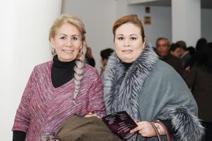 10022017 EN UN HOMENAJE  Graciela y Karla.